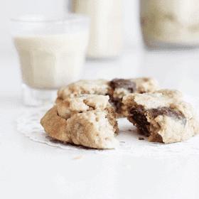 Choc Chunk Cookies & Pistachio Date Milk | MyWIfeMakes.com