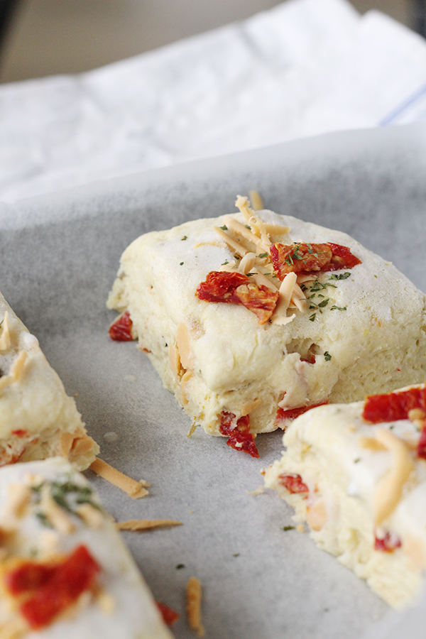 Vegan Cheddar Biscuits (With Jalapeno)! | MyWifeMakes.com #vegan #jalapeno #biscuits #recipe