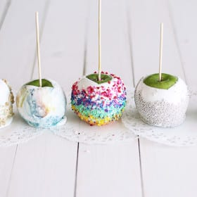 Colorful Candy Apples | MyWIfeMakes.com