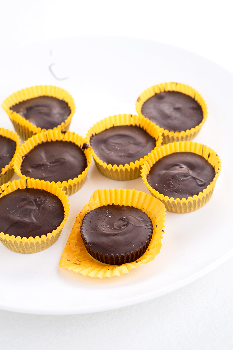 Vegan Caramel Peanut Butter Cups - 5 ingredients, dairy free, insane amounts of moreish and I guarantee you won't stop at just one. #vegan #peanut #butter #cups #healthy #delicious #foodporn #candy #chocolate #glutenfree #dairyfree