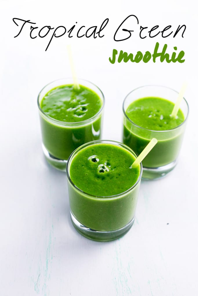 Healthy-Tropical-Green-Smoothie-4