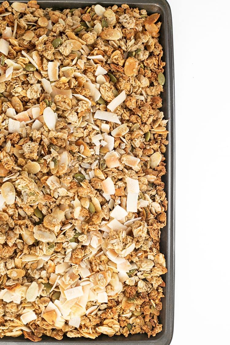 Vanilla Almond Vegan Granola - delicious Vegan granola loaded with clusters, flavored with Almond and Vanilla. #granola #vegan #healthy #vanilla #breakfast #delicious #almond #foodporn #homemade