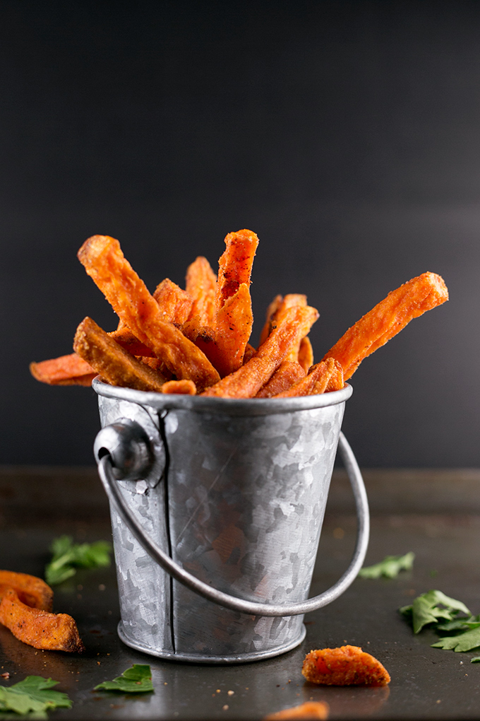 Indian Spiced Sweet Potato Fries with Parsley Cashew Dip #indian #healthy #vegan #sweetpotato #cashew #parsley #foodporn #simple