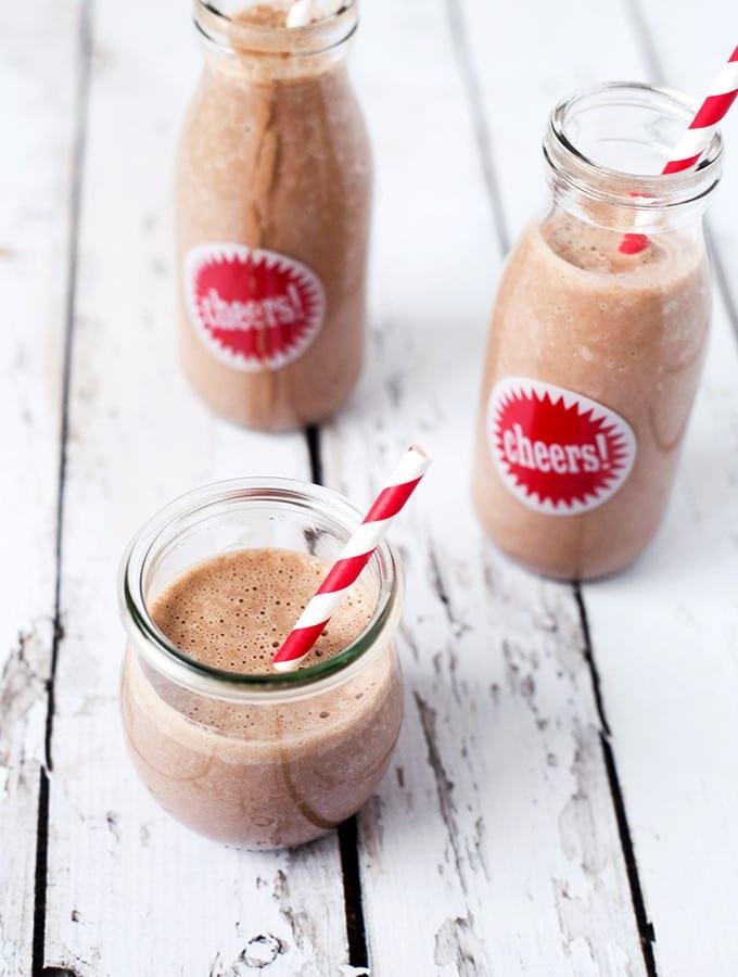 Creamy-Vegan-Chocolate-Milk-2