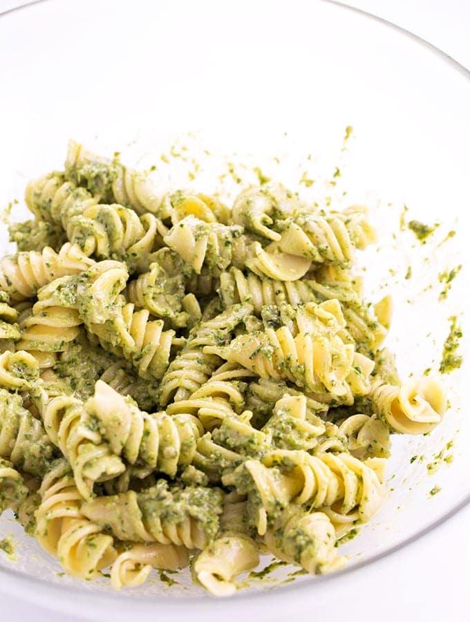 Simple-Healthy-Vegan-Pesto-Pasta-3