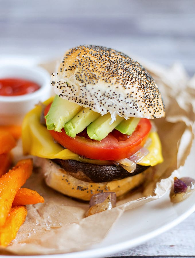 Easiest-Vegan-Portobello-Mushroom-Burgers-1