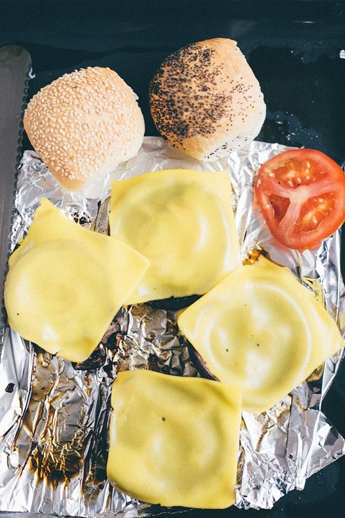 Easiest-Vegan-Portobello-Mushroom-Burgers-3