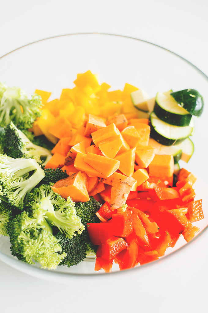 A delicious veggie packed Vegan Rainbow Pasta Salad dressed with a White Balsamic Vinegar Dressing. Healthy, Quick, Simple. #simple #vegan #vegetarian #pastasalad #pasta #quick #recipes #rainbow