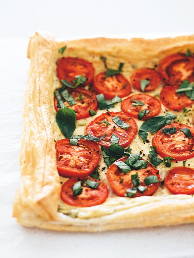 vegan-tomato-tart-with-tofu-basil-cream-7