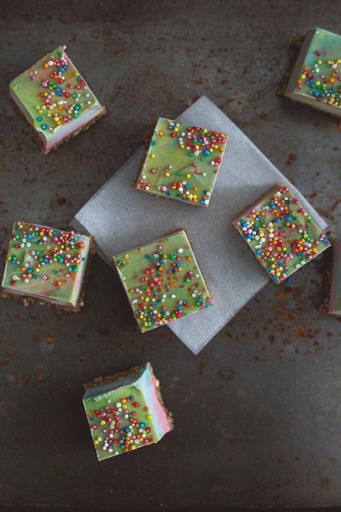 Vegan Paddle Pop Squares - A Delicious Frozen Rainbow Treat, Flavored with Butterscotch and Vanilla Bean. Raw/ Vegan / Gluten Free. #raw #vegan #cashew #cheesecake #paddlepop #icecream #healthy #rainbow