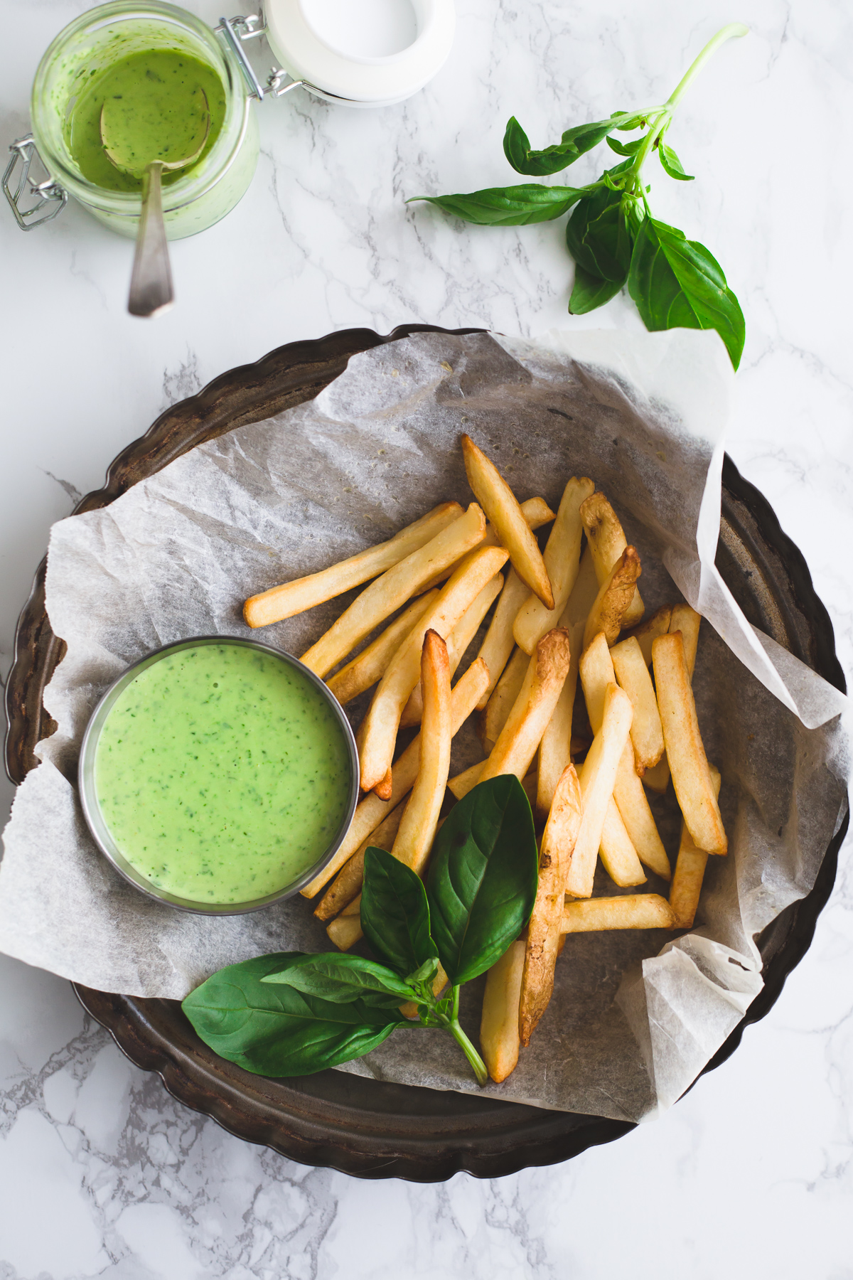 Vegan Pesto Aioli Recipe With Aquafaba Mayonnaise Simple Healthy Delicious #aioli #aquafaba #mayonnaise #vegan #pesto #dairyfree #simple #chickpea #cheap #easy #basil #pinenuts