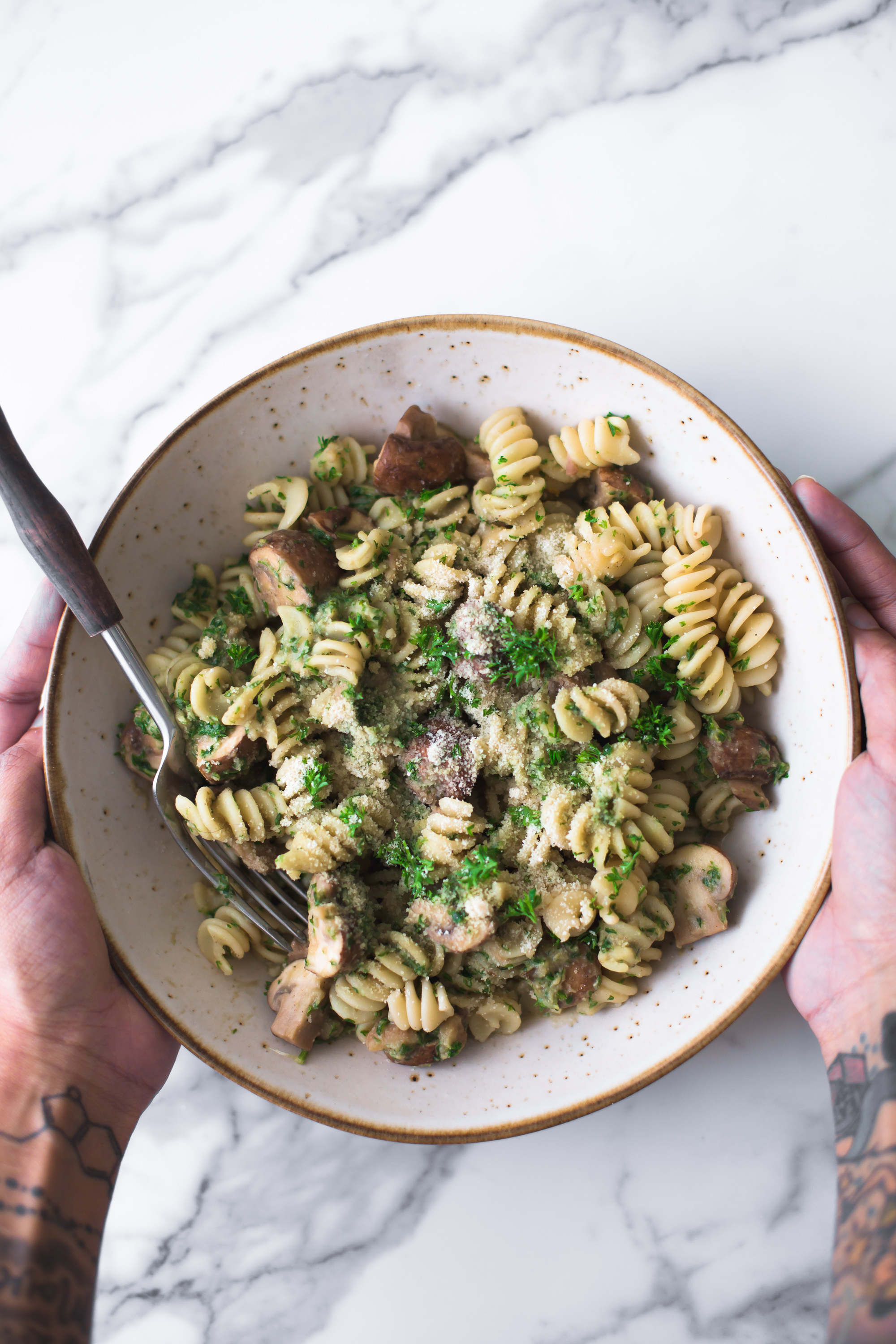 Delicious Vegan Mushroom Pasta with Chestnut Parsley Pesto. A simple, delicious and easy to prepare Christmas dish, ready in under 20 minutes.Delicious Vegan Mushroom Pasta with Chestnut Parsley Pesto. A simple, delicious and easy to prepare Christmas dish, ready in under 20 minutes. #vegan #christmas #veganrecipes #healthy #pesto #mushrooms #chestnuts #pestopasta #vegetarian