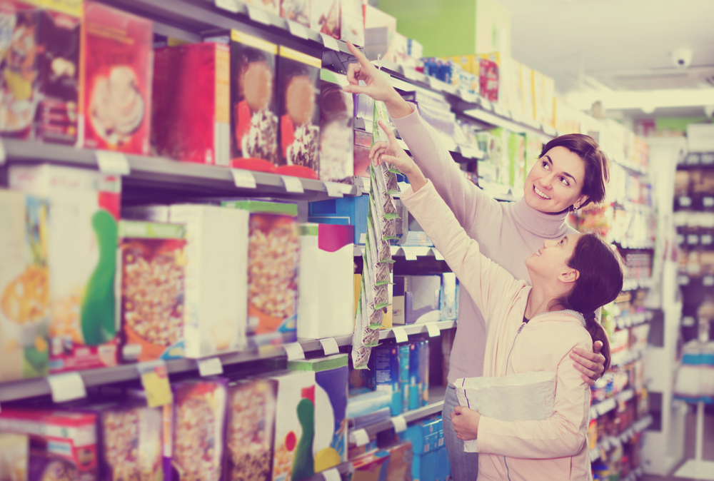 Ever wondered why you can't help but make impulse purchases at grocery stores? Read this article to find out the tricks behind Supermarket Psychology! #supermarket #retail #merchandising #vegan #psychology #diet #health #cooking #groceries #weightloss